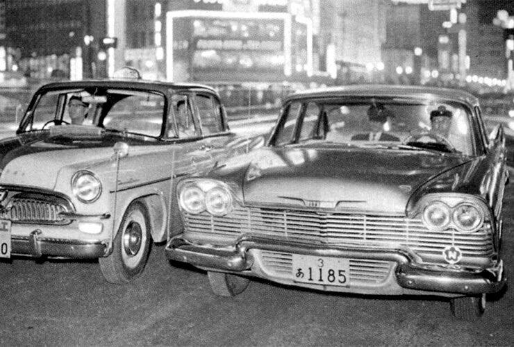 自社のタクシーの車体色を統一し、看板灯を取り入れたのは、日本交通が業界初。